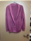 Lange, kuschelige Jacke mit V-Ausschnitt und Schalkragen