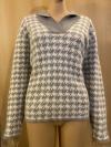 Modischer Pullover mit Hahnentritt-Muster